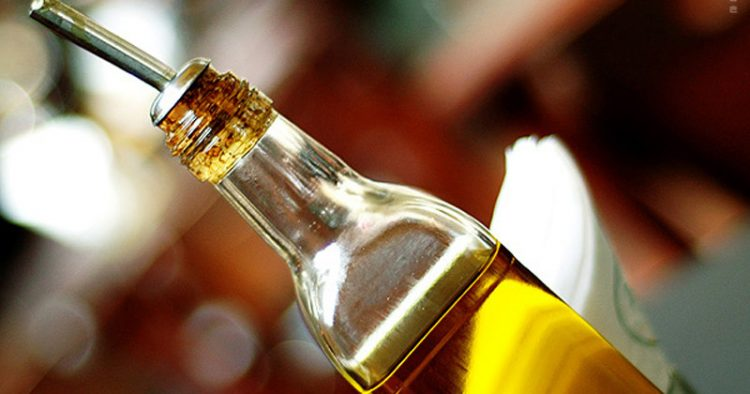 Participantes receberão dois litros de azeite extravirgem para consumir durante um mês – Foto: Grace Oda via Visual Hunt